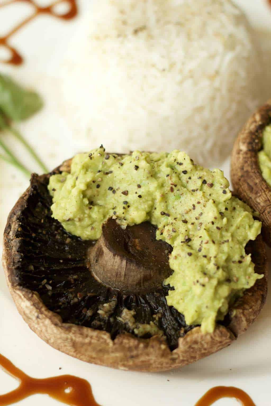 Portobello Mushrooms with Garlic and Avocado. Ideal as an appetizer! #vegan #lovingitvegan #dairyfree #glutenfree