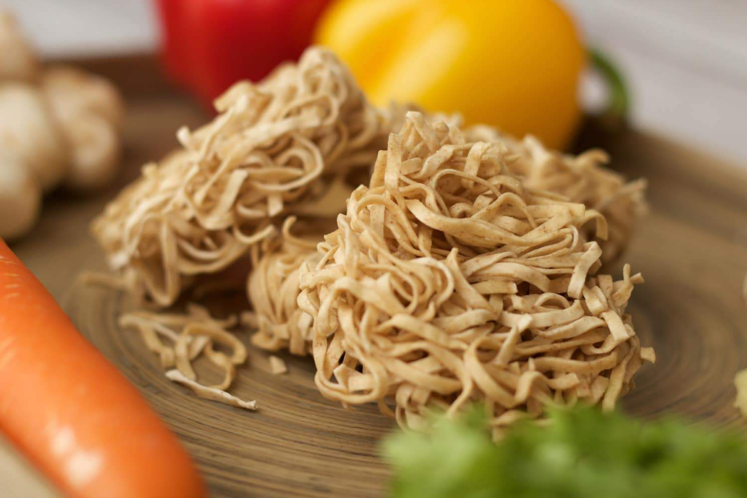 Making #vegan noodles with a spicy tahini sauce.