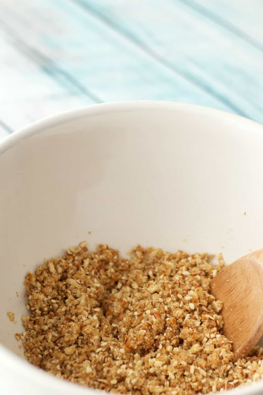 Making A Vegan Caramel Cream Pie Crust