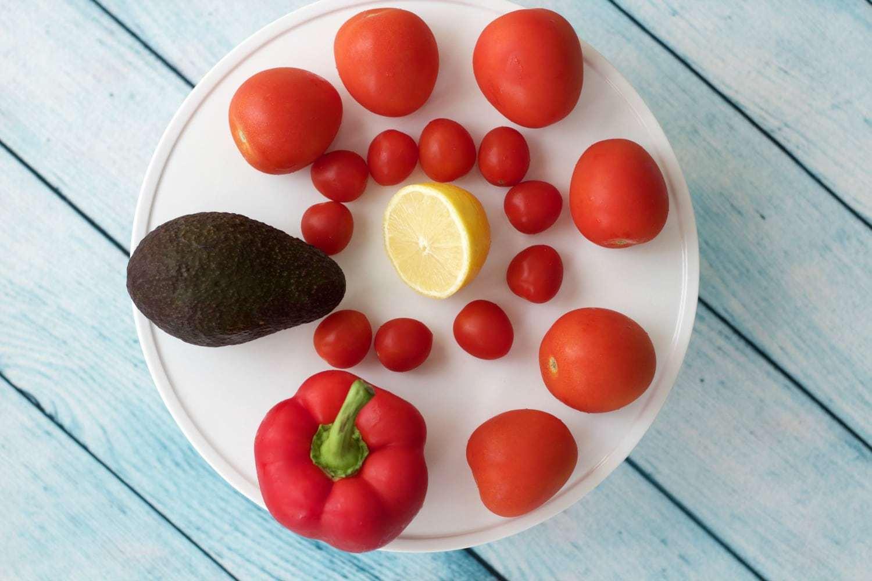 Ingredients for making Raw Tomato Soup #rawvegan