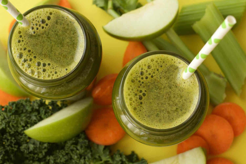 Apple Carrot Celery and Kale Juice #greenjuice #juicing #lovingitvegan