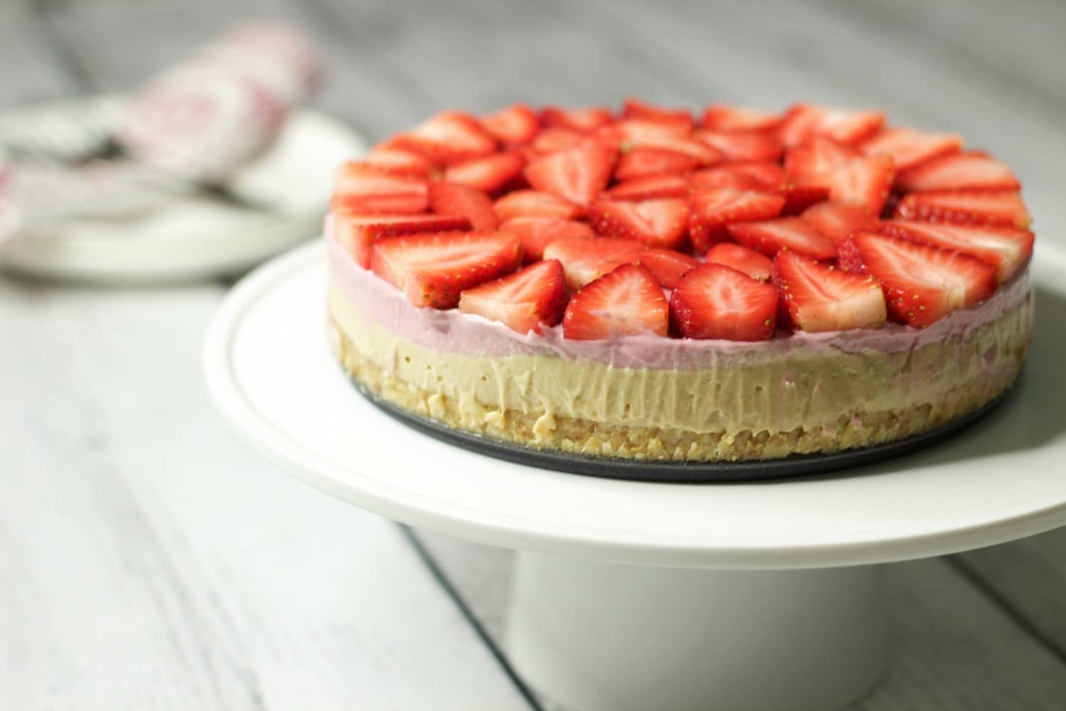 Raw Strawberry Cheesecake – Gluten-Free