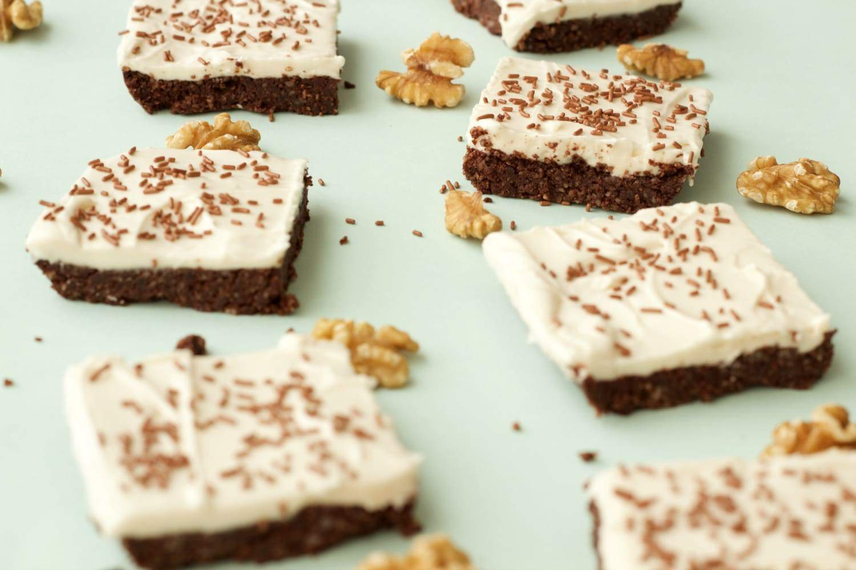 Vegan Top Deck No Bake Brownies #vegan #lovingitvegan #glutenfree #dairyfree #dessert
