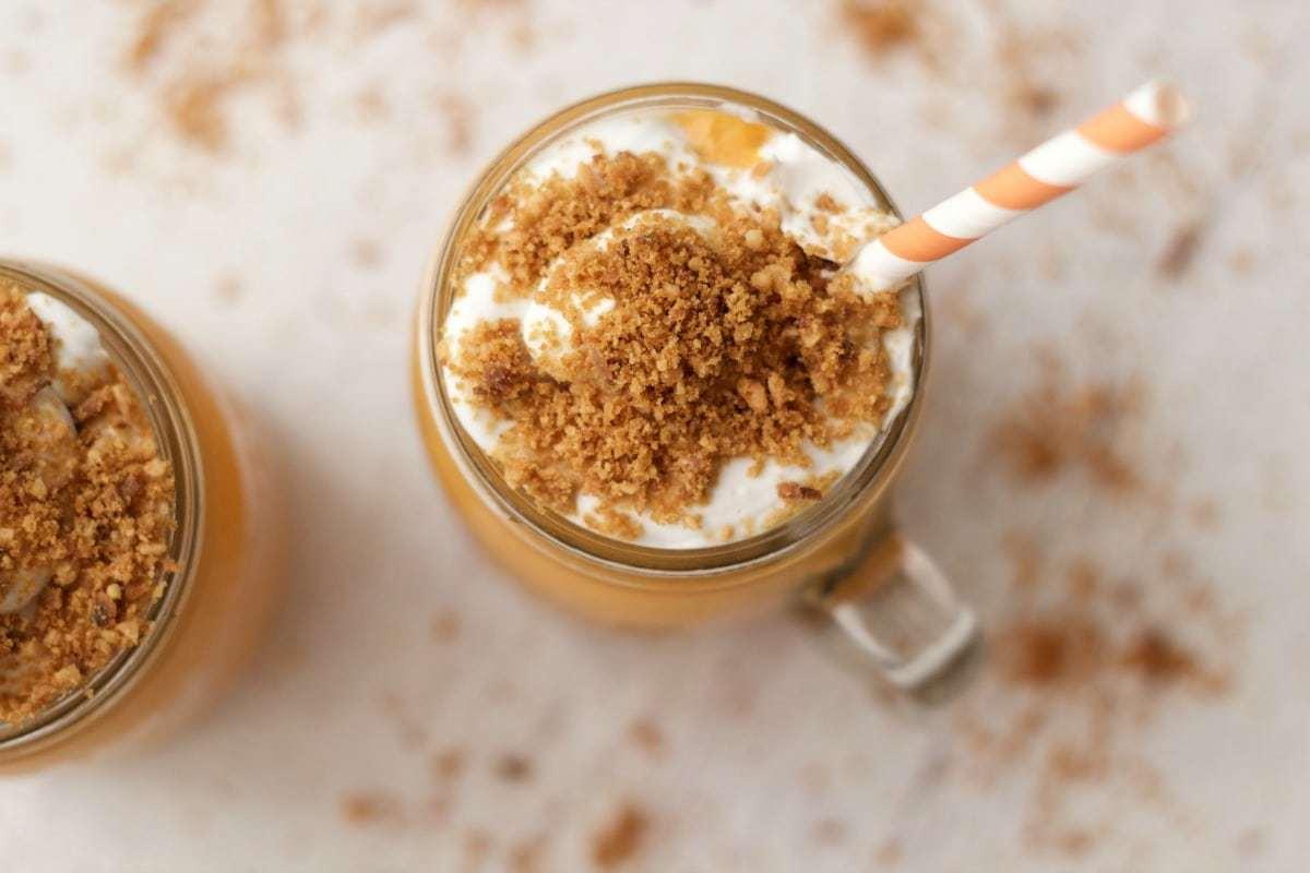 Vegan Carrot Cake Smoothie #vegan #lovingitvegan #carrotcake #smoothie #dessert