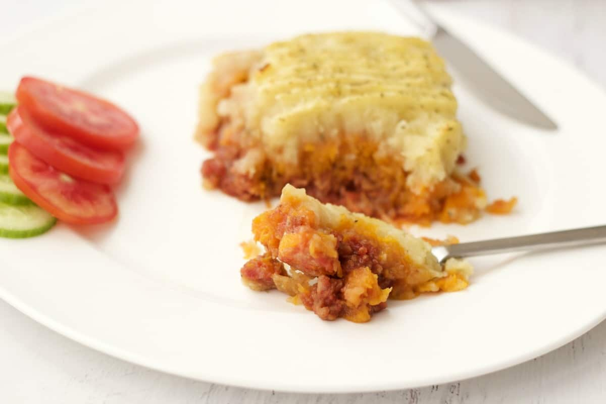 Hearty Vegan Cottage Pie #vegan #lovingitvegan #entree #cottagepie #dinner