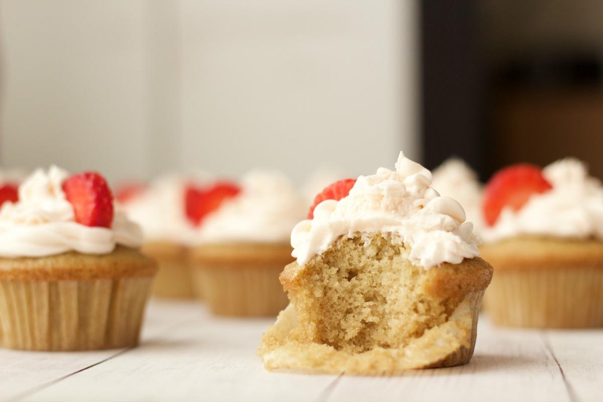 Vegan Vanilla Cupcakes with Strawberry Vanilla Frosting #vegan # ...