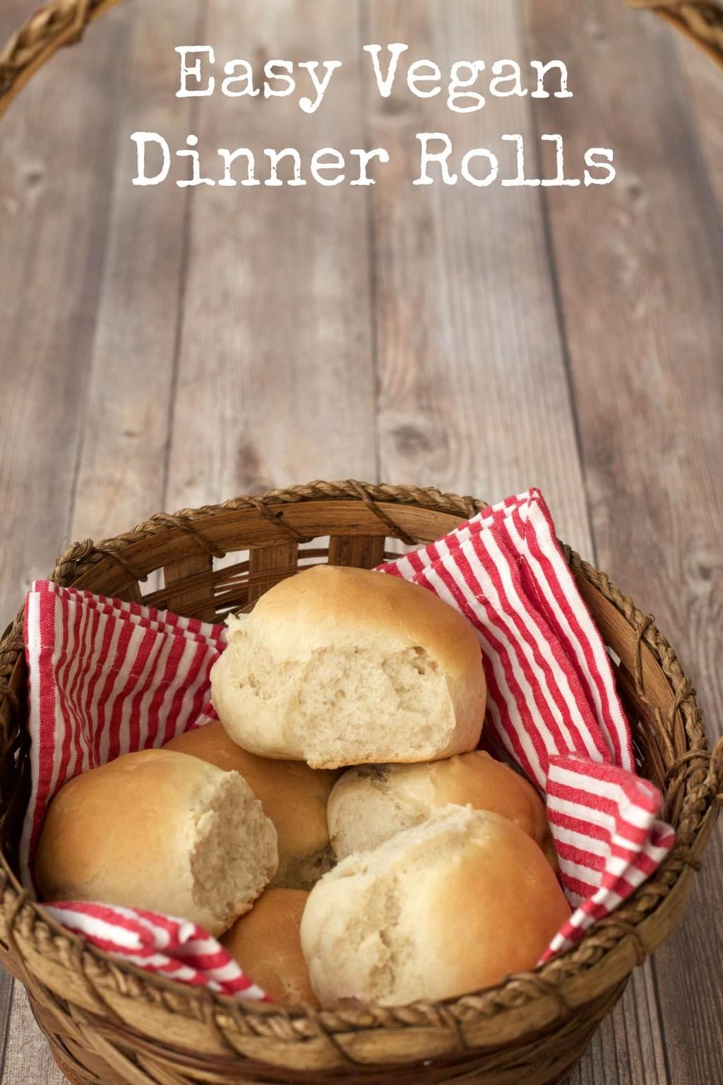 Easy Vegan Dinner Rolls #vegan #lovingitvegan #dinner #rolls #smallbatch #sides