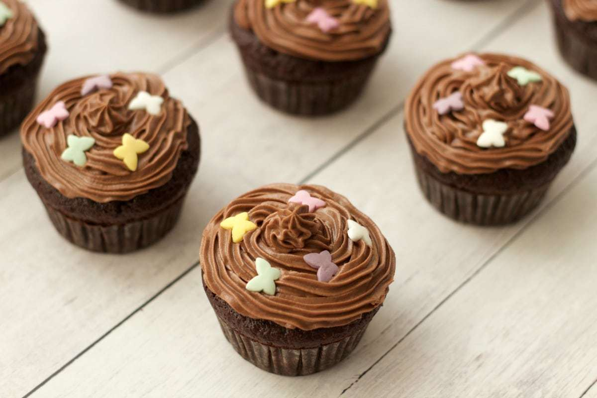 Gluten-Free Chocolate Cupcakes with Chocolate Buttercream Frosting ...