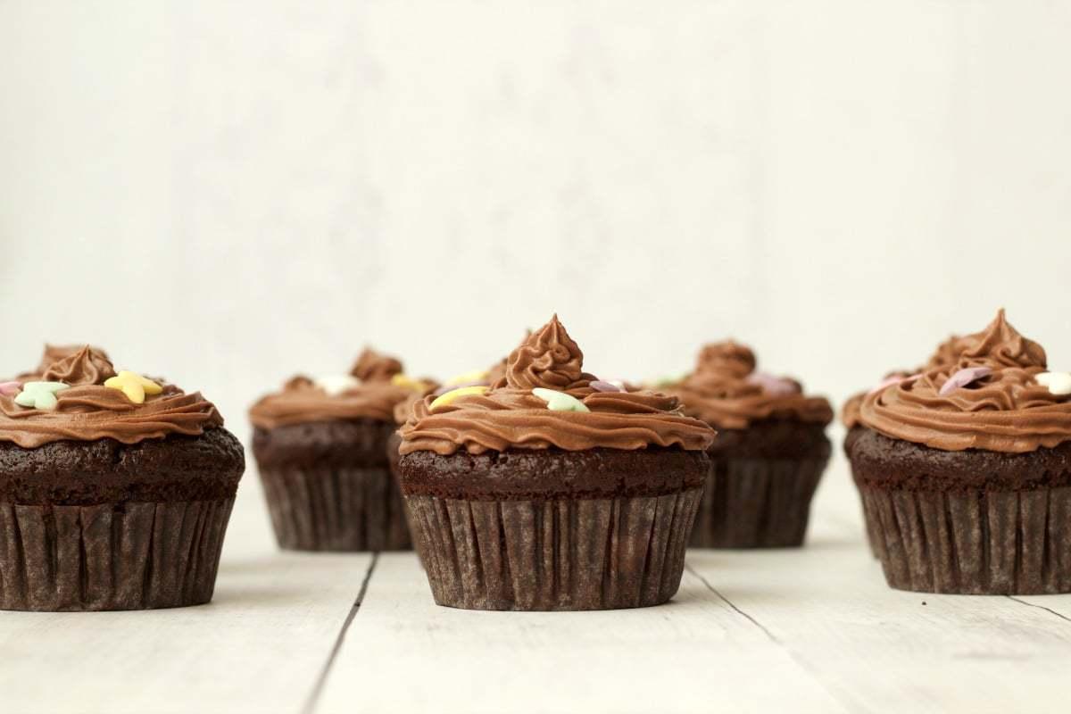 Gluten-Free Chocolate Cupcakes with Chocolate Buttercream Frosting #vegan #lovingitvegan #glutenfree #cupcakes #cakes #dessert #dairyfree #chocolate