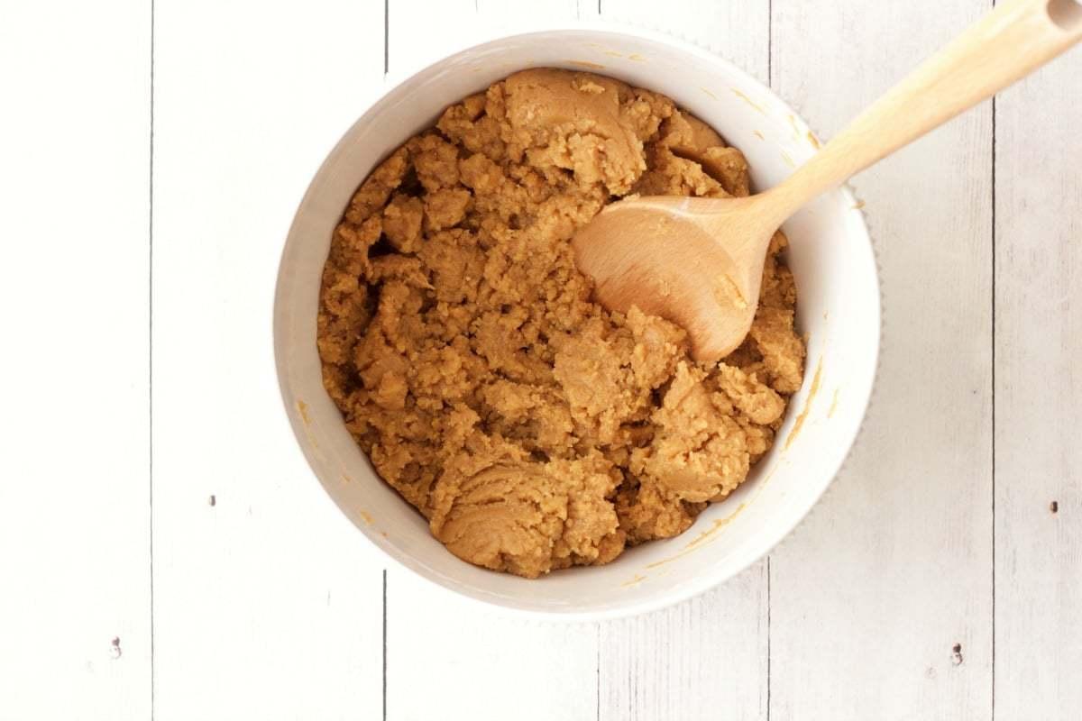 Making Vegan Peanut Butter Cookies #vegan #lovingitvegan