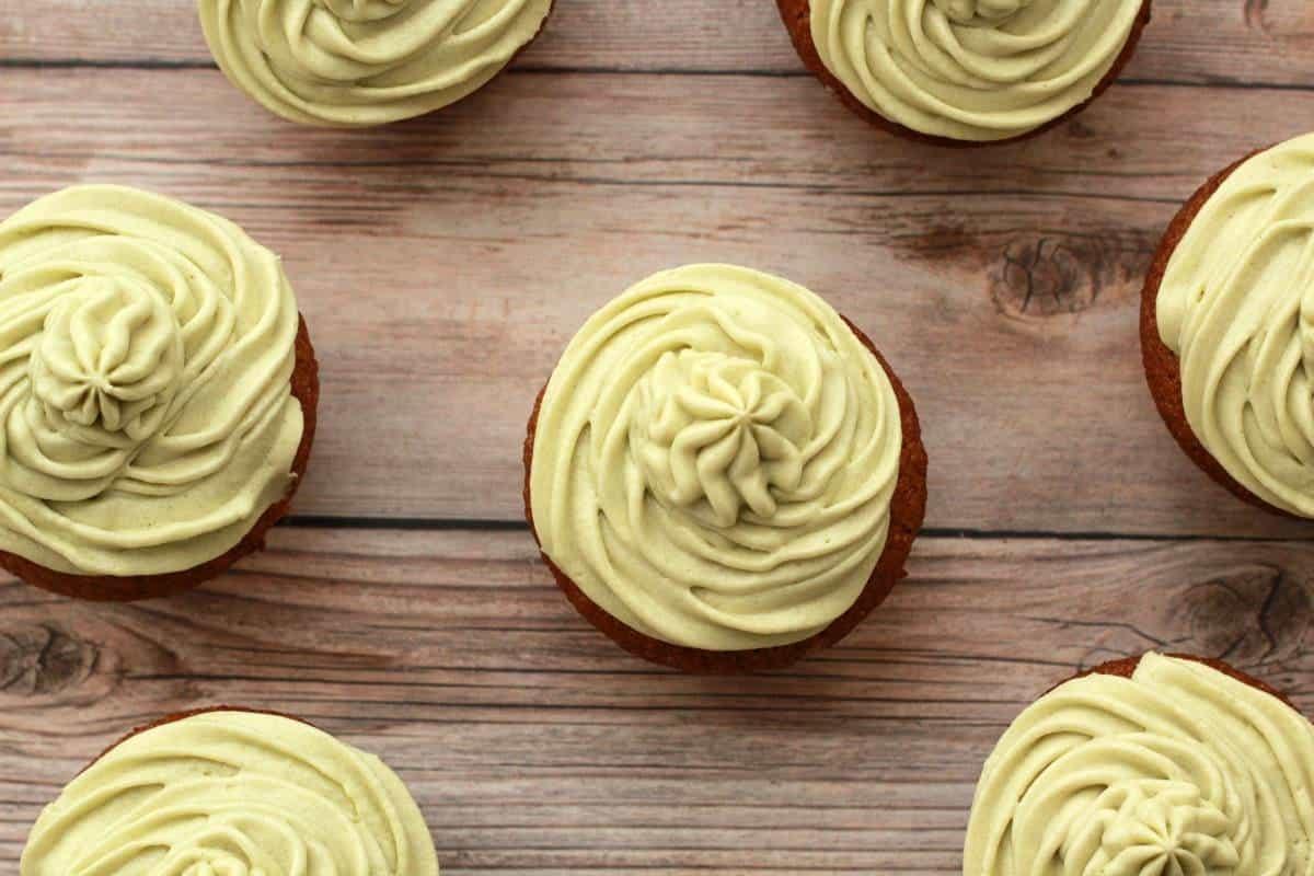 Gluten-Free Vegan Vanilla Cupcakes with Matcha Green Tea Frosting #vegan #lovingitvegan #glutenfree #dairyfree #cupcakes #matcha #dessert