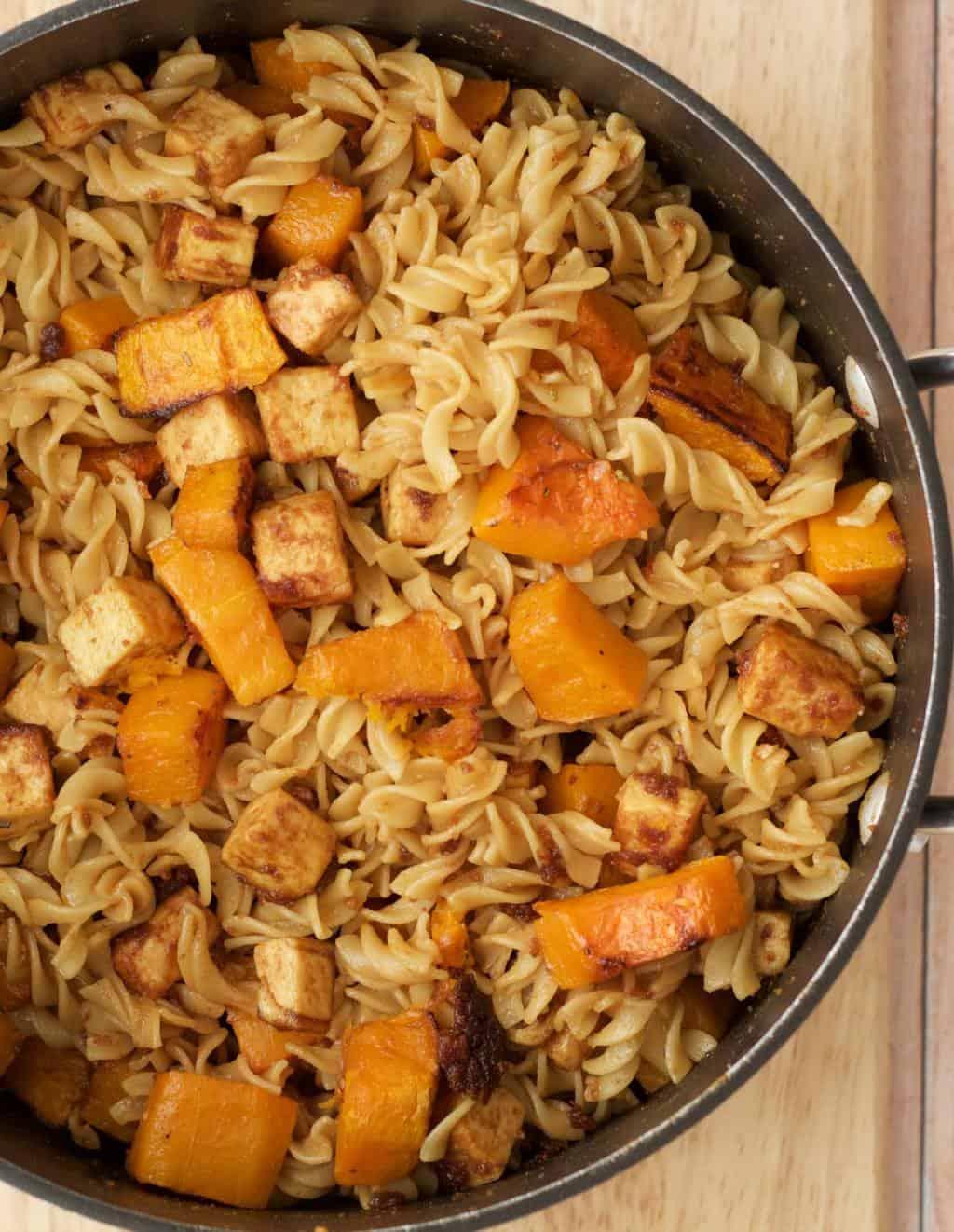 Making Spicy Peanut Pasta with Roasted Butternut and Crispy Tofu #vegan #lovingitvegan