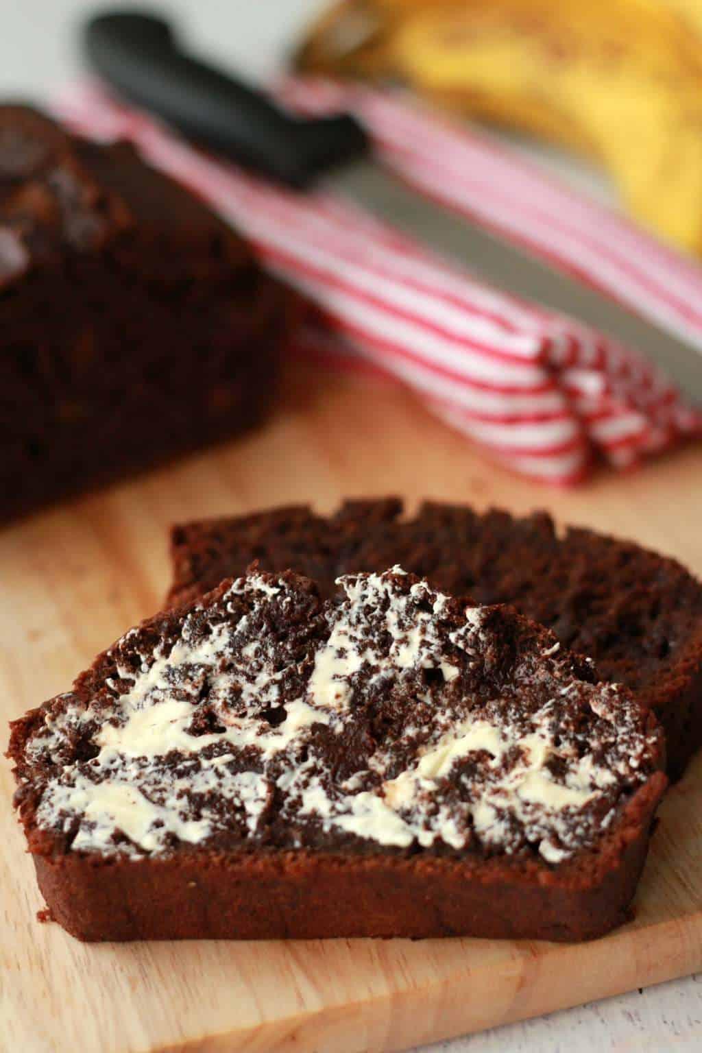 Vegan Chocolate Chip Banana Bread #vegan #lovingitvegan #bananabread #dessert #chocolatechip