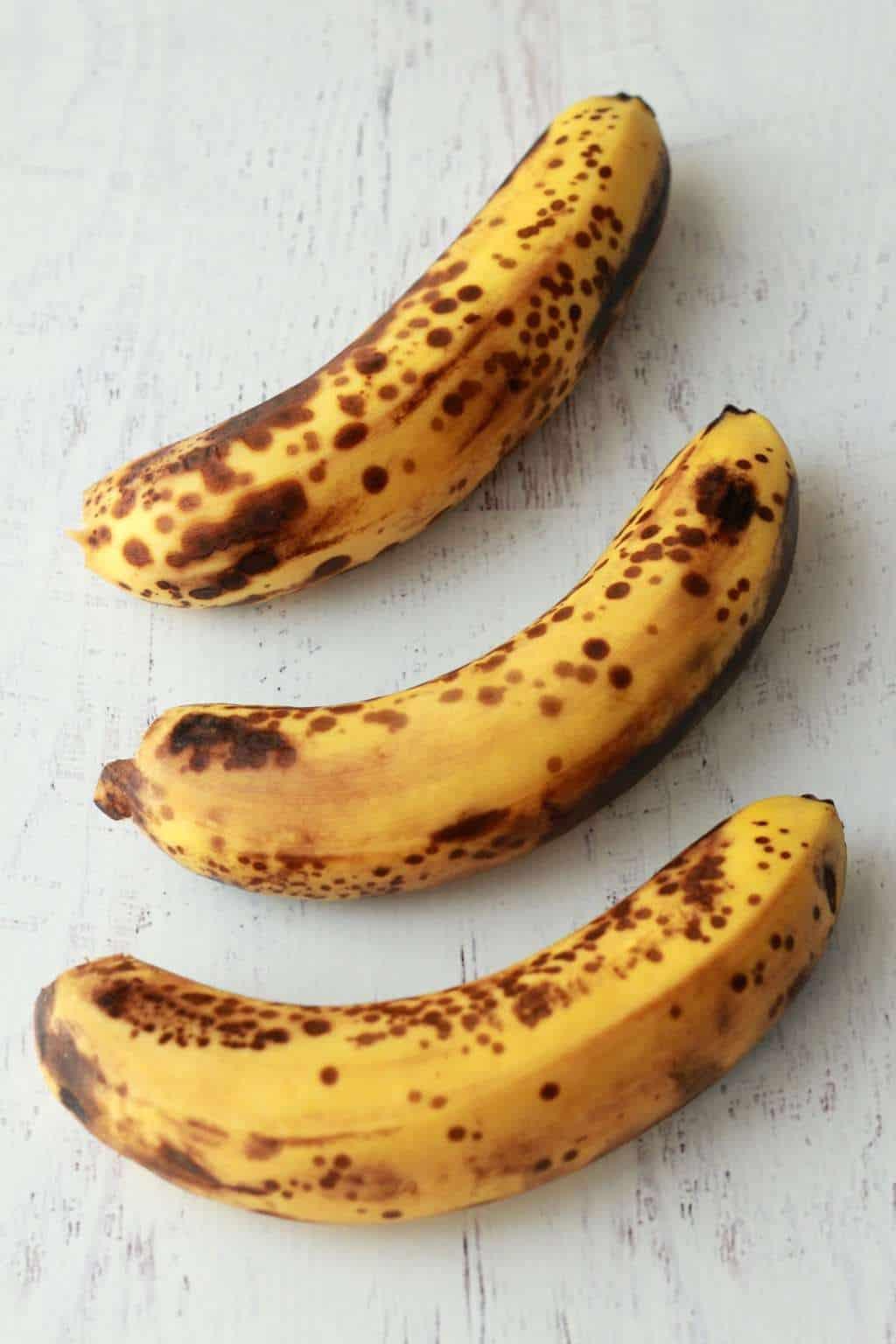 Making Vegan Chocolate Chip Banana Bread #vegan #lovingitvegan