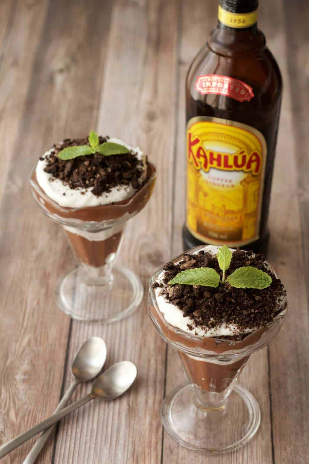 Vegan Kahlua and Cream Parfaits #vegan #kahlua #kahluaandcream #lovingitvegan #dessert #dairyfree