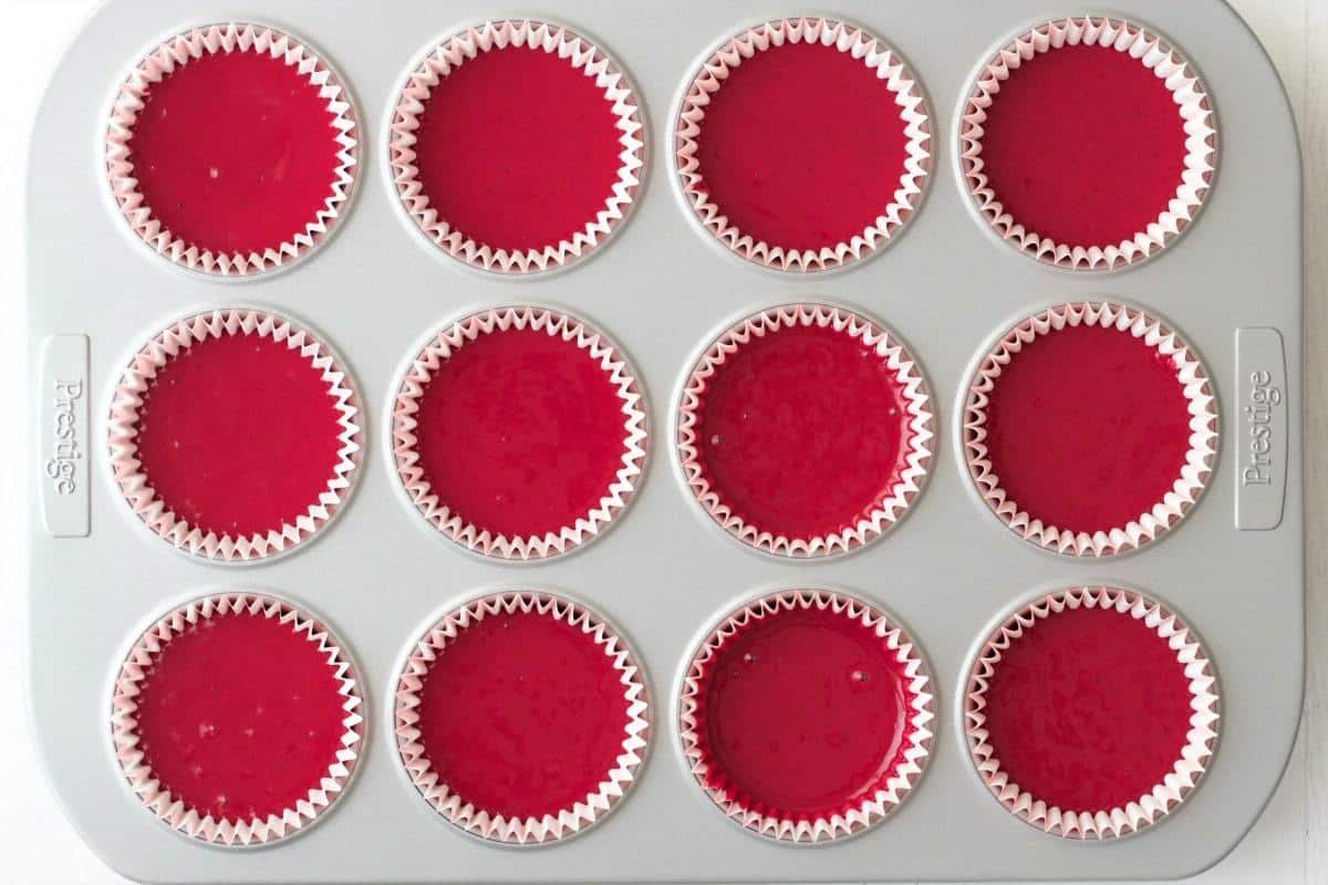 Making Vegan Red Velvet Cupcakes #vegan #lovingitvegan #dessert #cupcakes