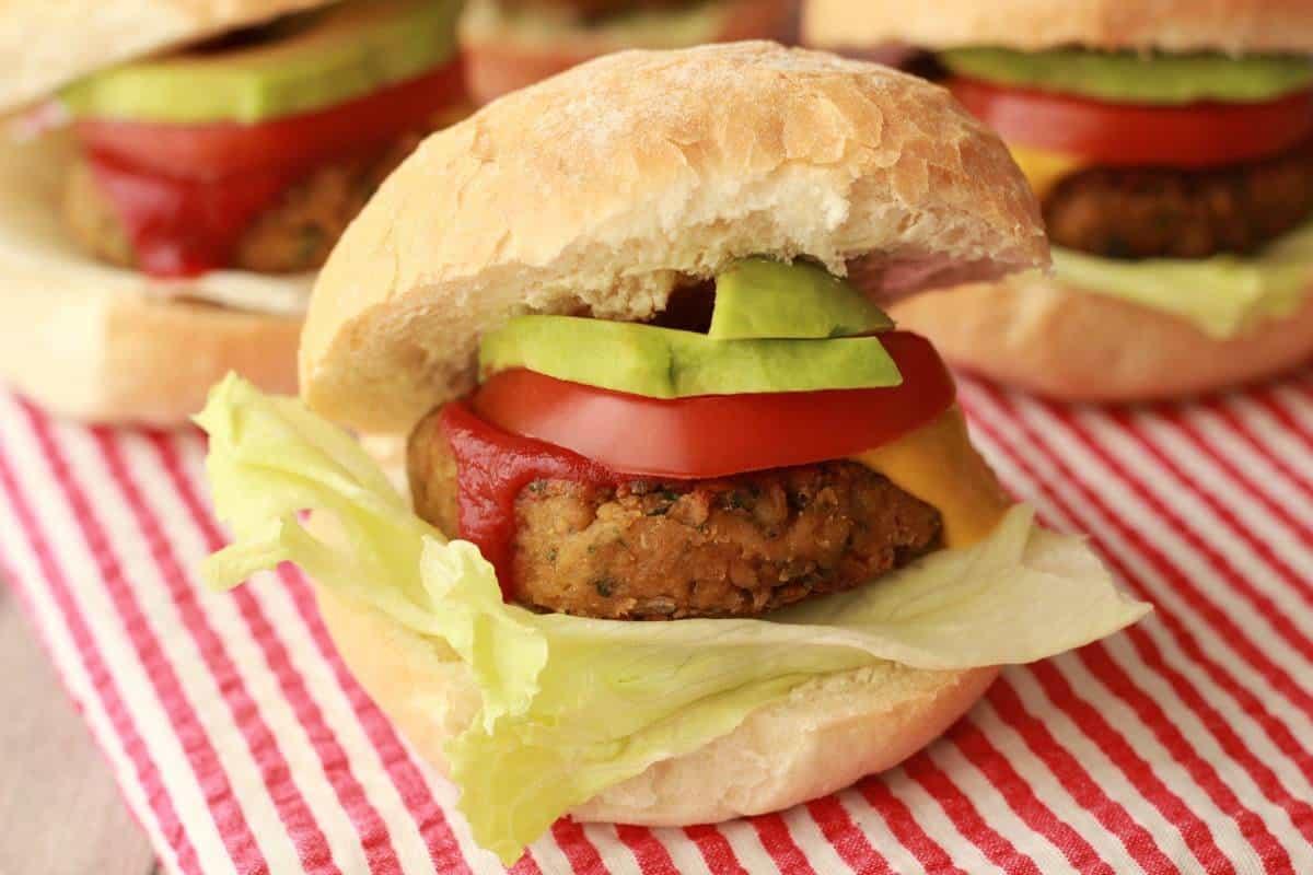 The Easiest Vegan Chickpea Burgers #vegan #lovingitvegan #chickpeaburgers #veggieburgers #glutenfree #entree