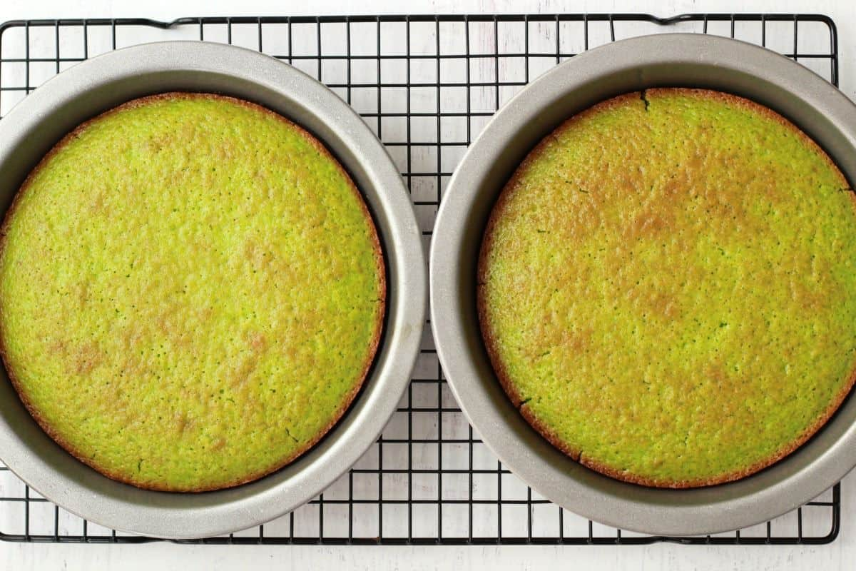 Making Vegan Key Lime Cake #vegan #lovingitvegan #dessert #keylime
