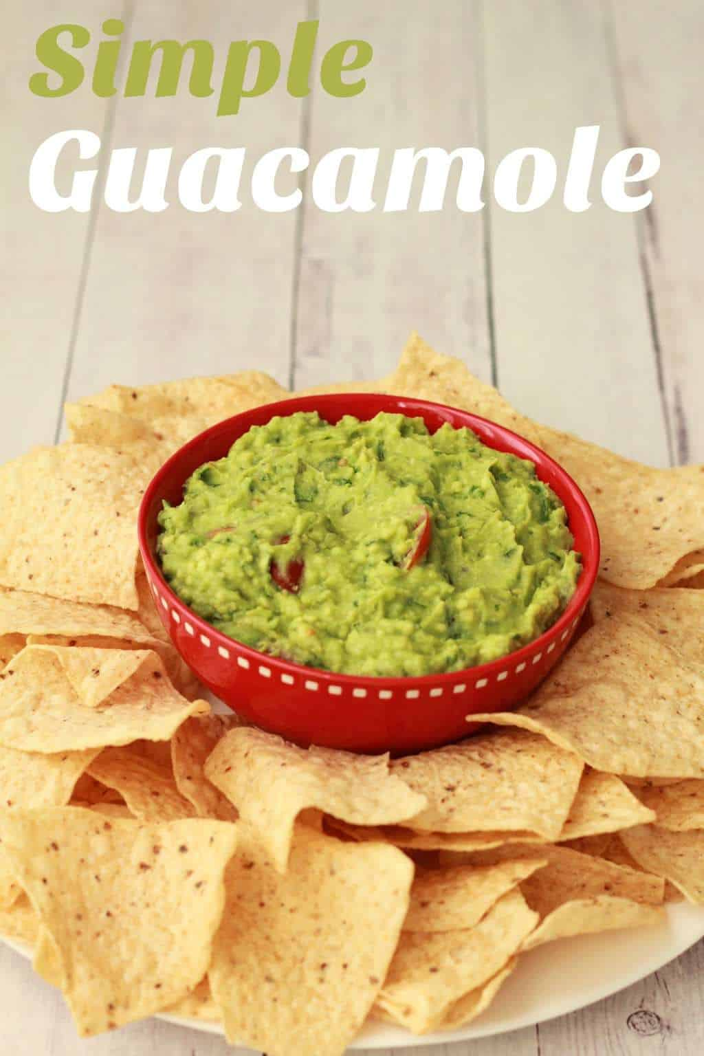 Simple Guacamole Recipe - Ideal as a dip for raw veggies, tortilla chips or flat breads. #vegan #lovingitvegan #guacamole #dips #appetizer
