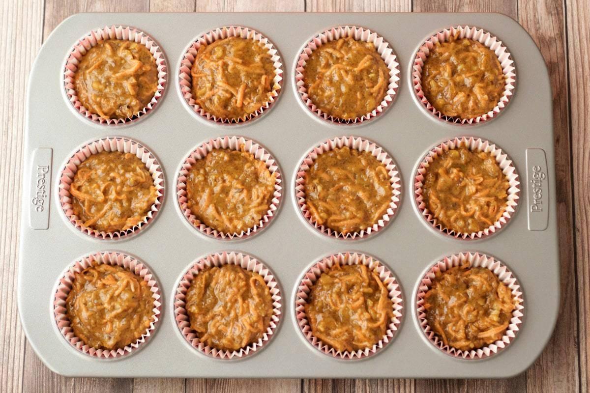 Making Vegan Carrot Cake Cupcakes #vegan #lovingitvegan #cupcakes #carrotcake