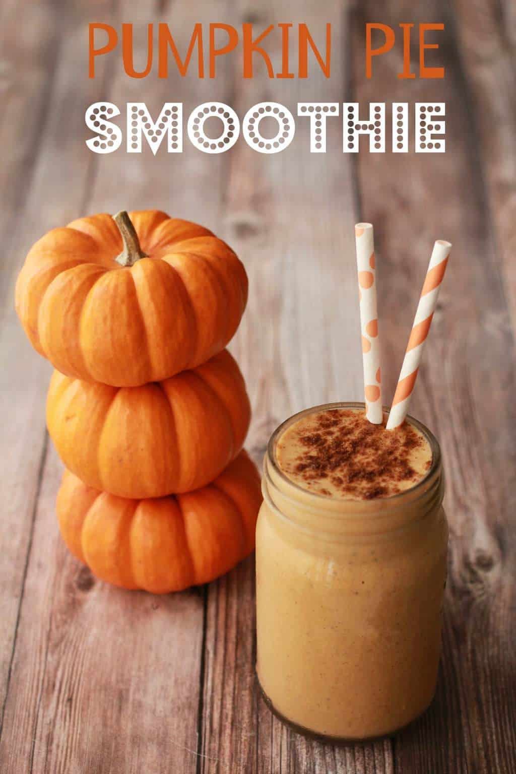 Creamy and smooth pumpkin pie smoothie. Vegan and gluten-free! #vegan #lovingitvegan #smoothie #pumpkinpiesmoothie #glutenfree #dairyfree