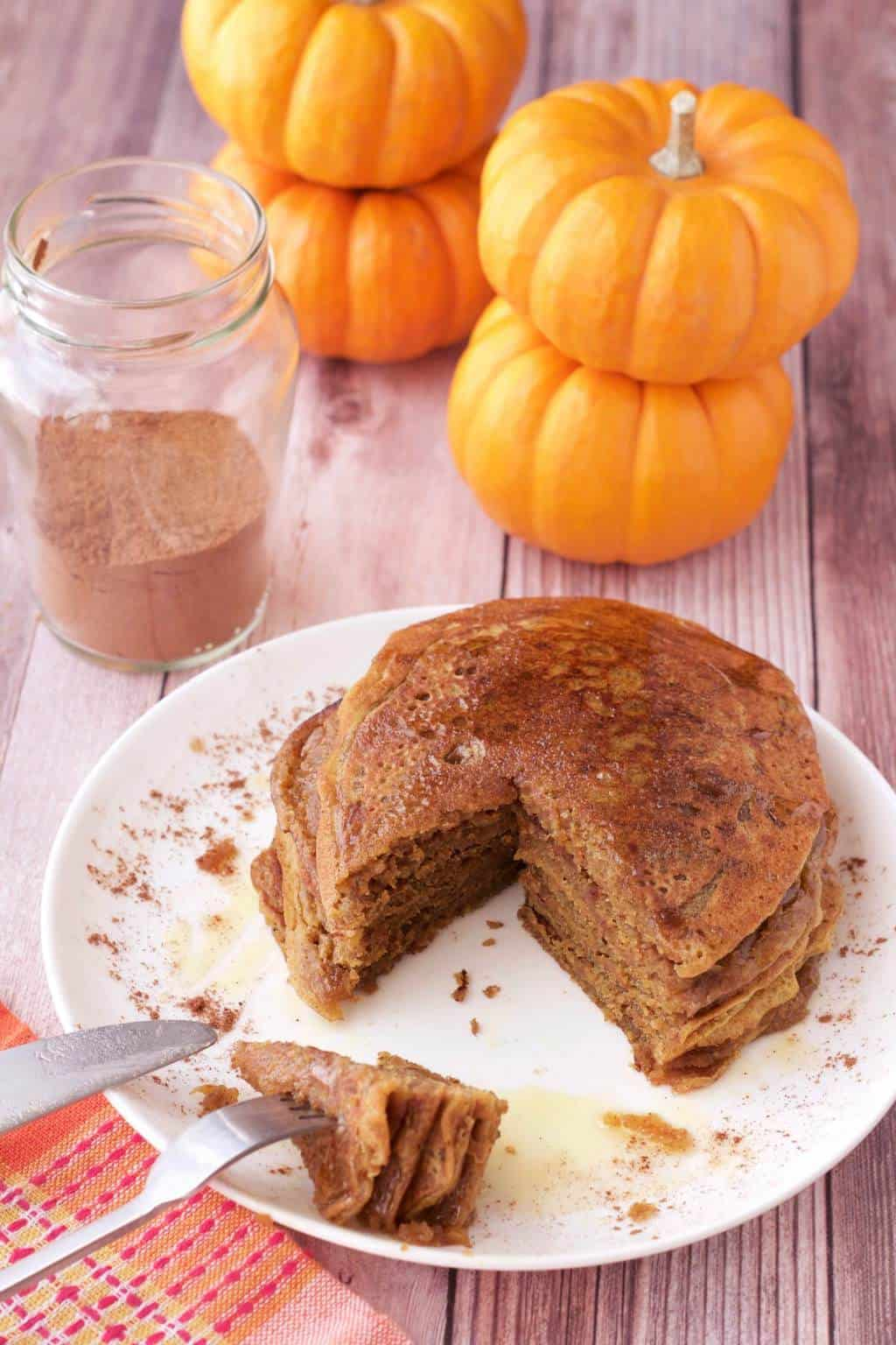 Vegan Pumpkin Pancakes. Perfectly spiced and fabulous for breakfast! #vegan #lovingitvegan #pumpkinpancakes #breakfast