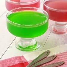Vegan jello in serving glasses.