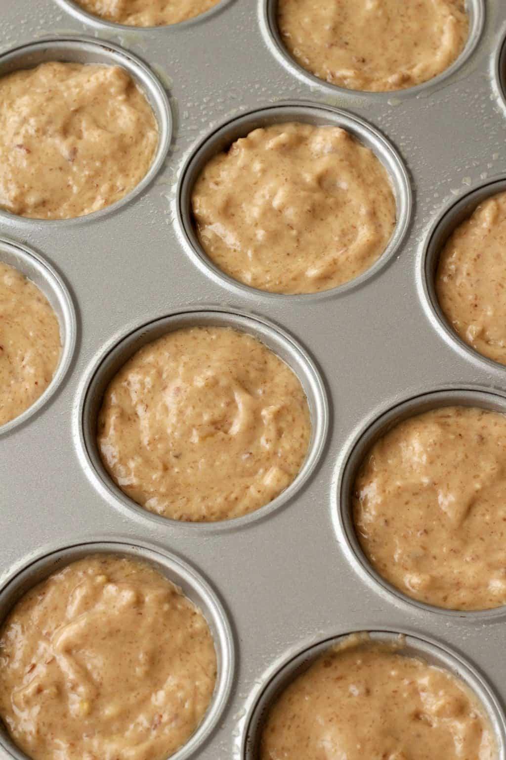 Making Banana Bread Muffins #vegan #lovingitvegan #bananabreadmuffins #muffins