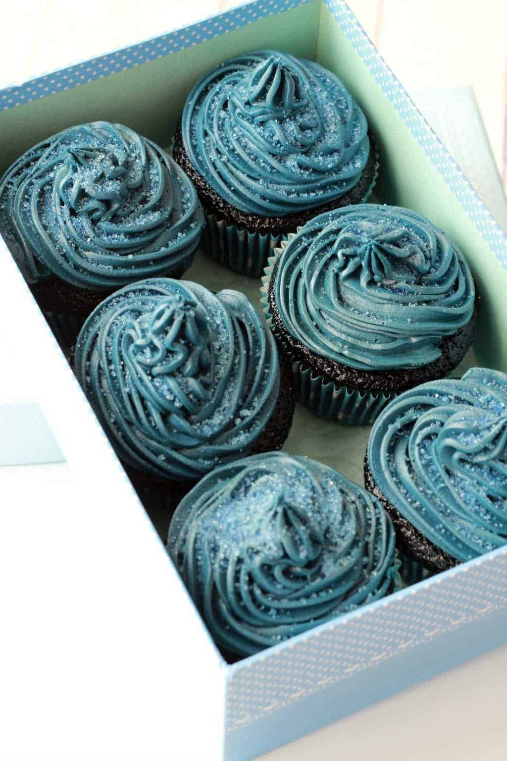 Midnight Blue Velvet Cupcakes - Loving It Vegan