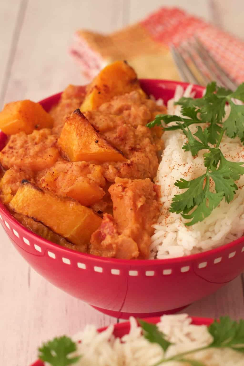 Butternut Squash Curry Bowls. A perfect plant-based dinner. #vegan #lovingitvegan #butternutsquash #currybowls #entree #dinner
