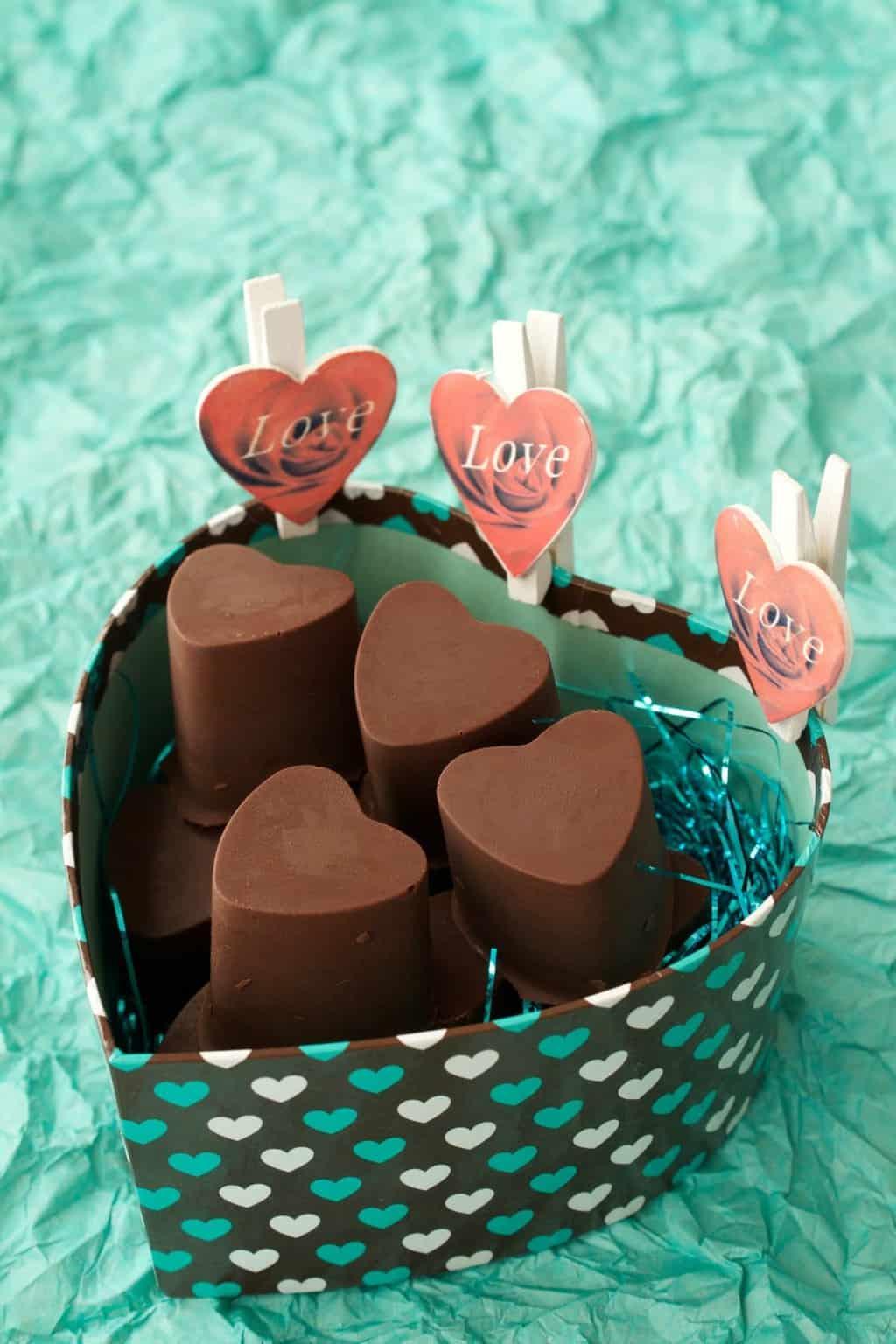 Heart-Shaped Caramel Fudge Vegan Chocolates. Perfect for a Romantic Occasion! #vegan #lovingitvegan #valentines #romantic #dessert #chocolates