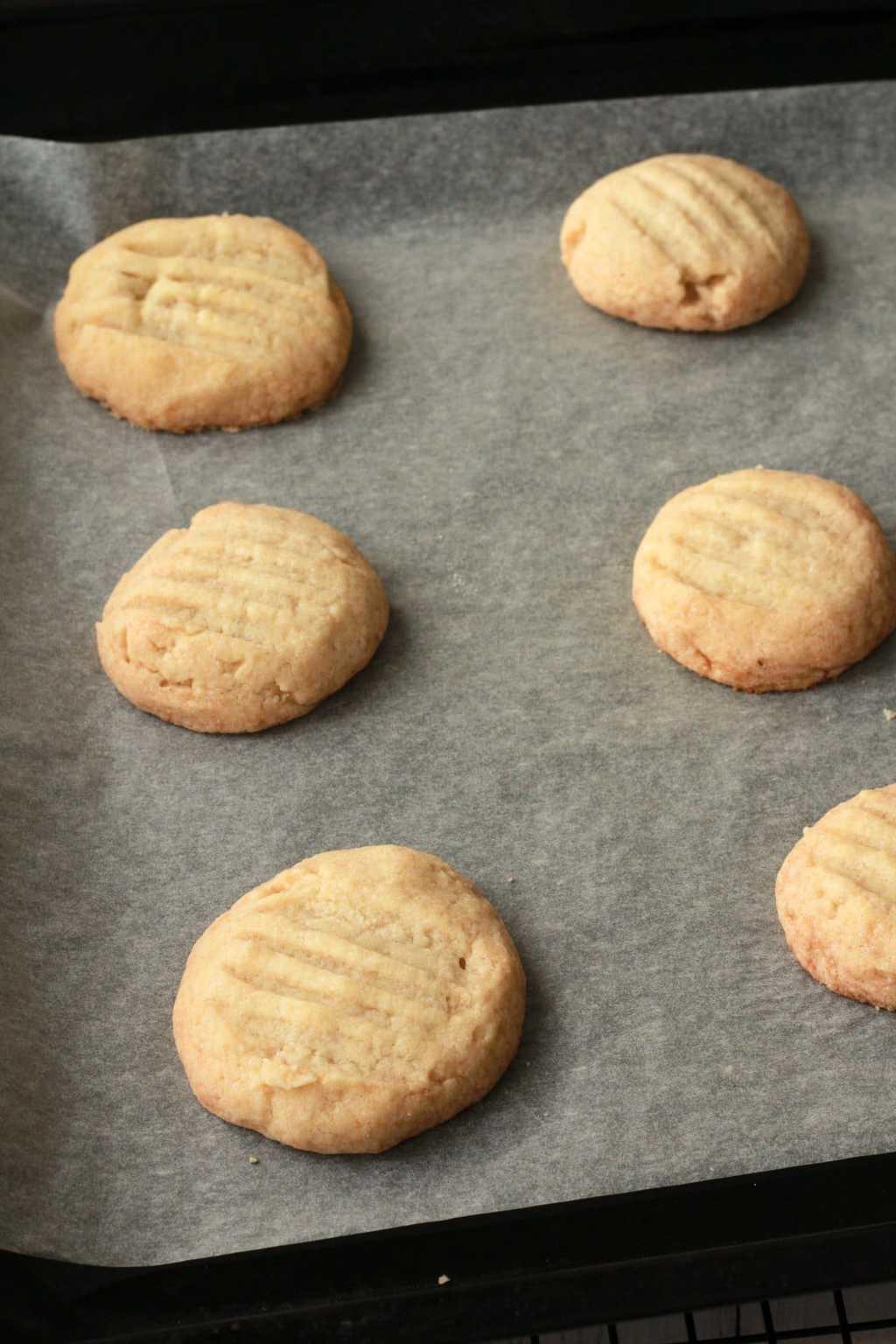 Making Shortbread Cookies for Chocolate Tiffin Squares #vegan #lovingitvegan #dessert #cookies