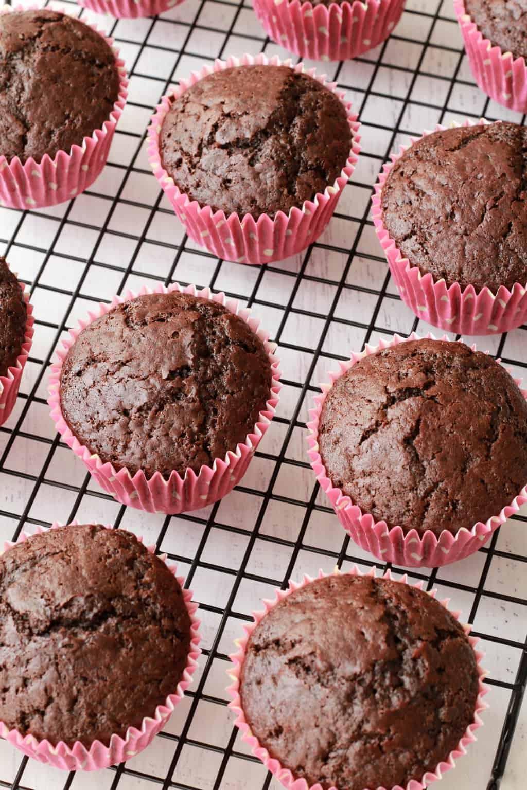 Making Vegan Oreo Cupcakes #vegan #lovingitvegan #oreos #oreocupcakes #cupcakes #dessert