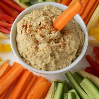 Creamy Roasted Garlic Hummus