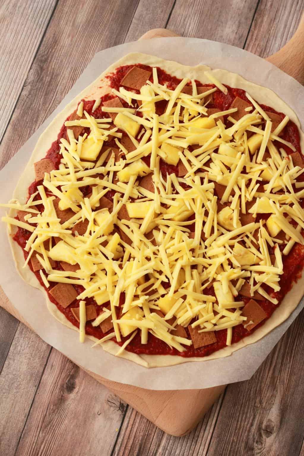 Making Thin-Crust Vegan Pizzas #vegan #lovingitvegan #veganpizza