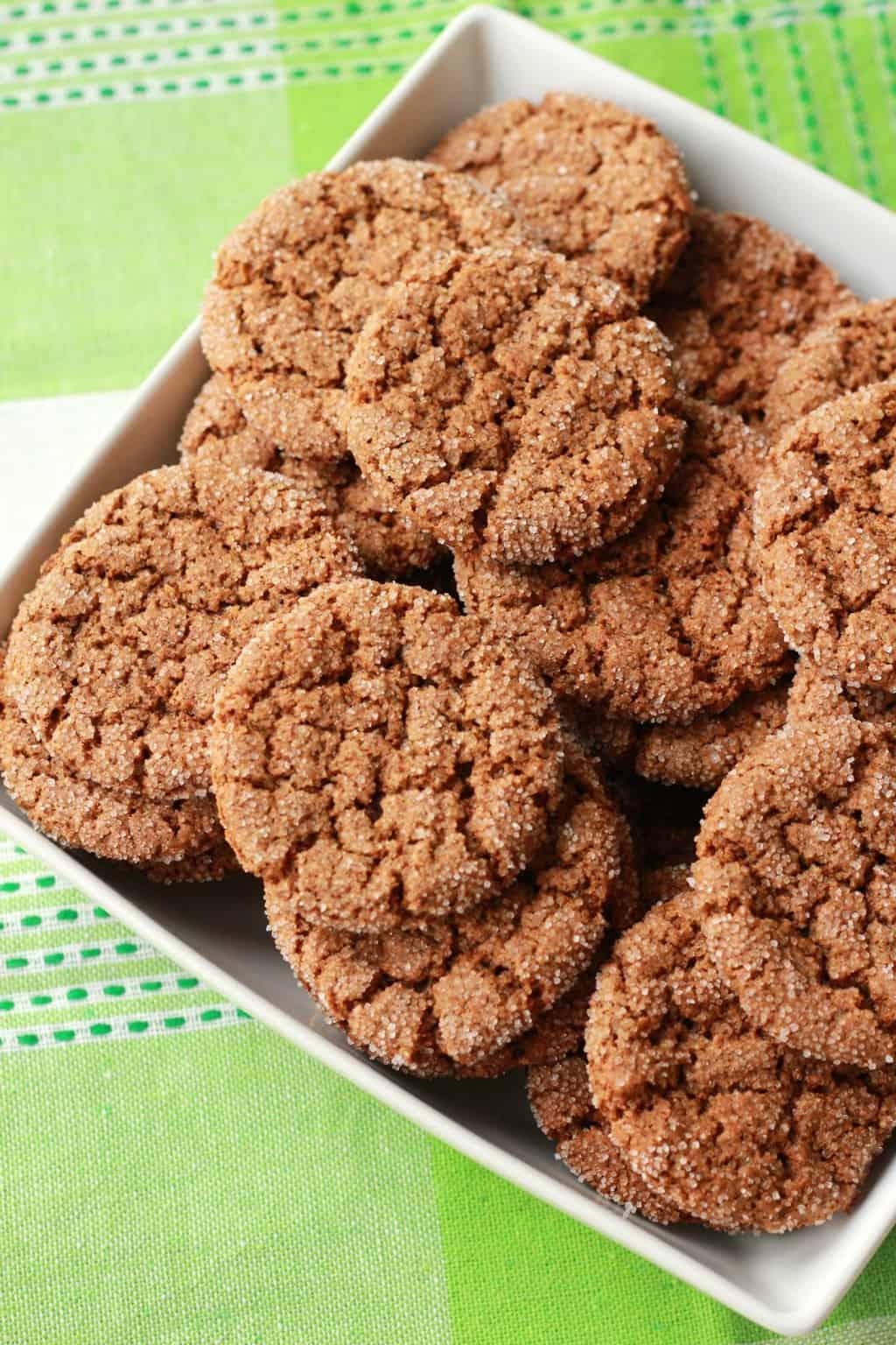 Vegan Gingersnap Cookies. Super crunchy and perfect for a snack. #vegan #lovingitvegan #cookies #gingersnap #dessert