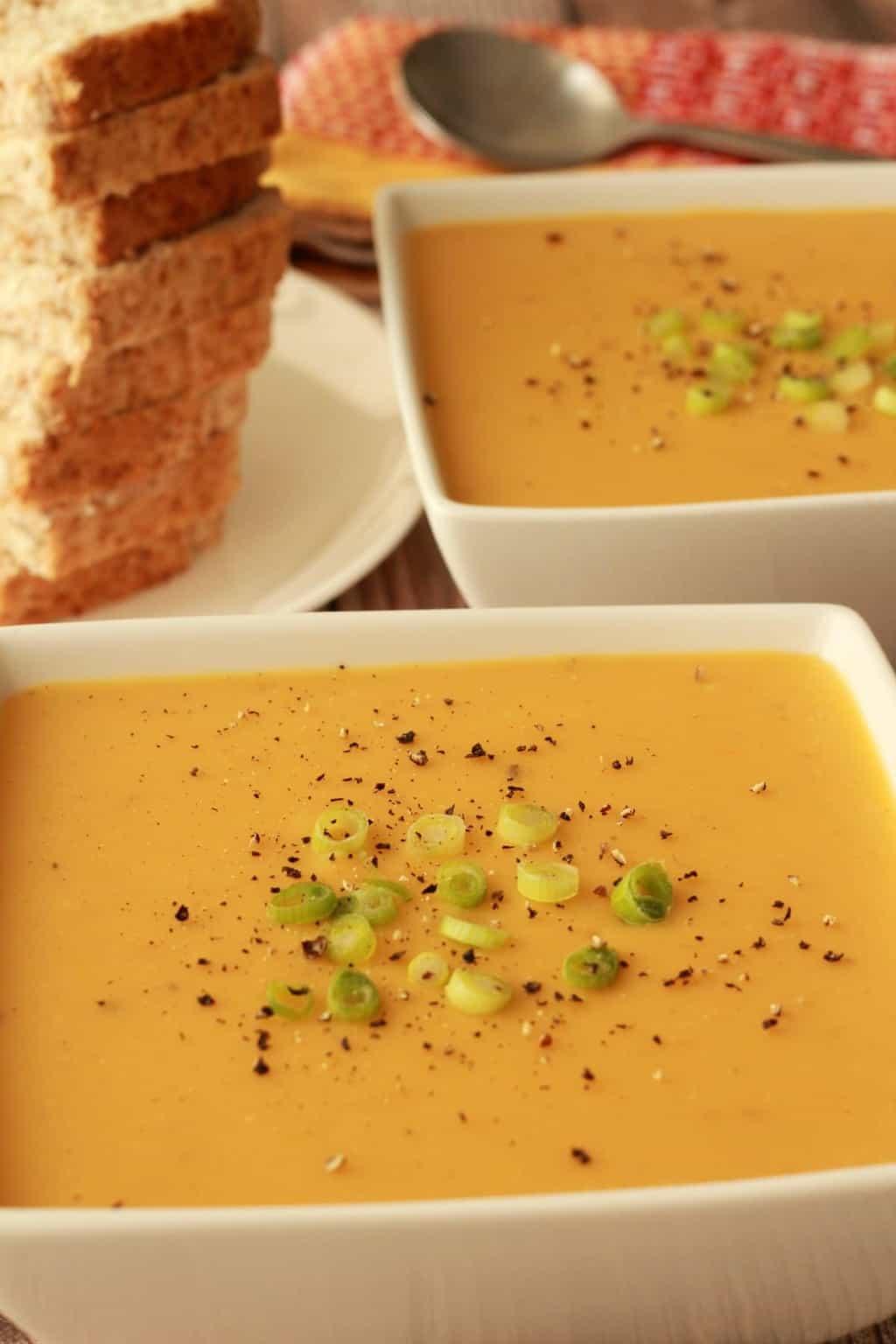 Vegan Split Pea Soup. This yellow split pea soup is hearty, filling and delicious! Have it an appetizer or an entree. #vegan #lovingitvegan #splitpeasoup #soups