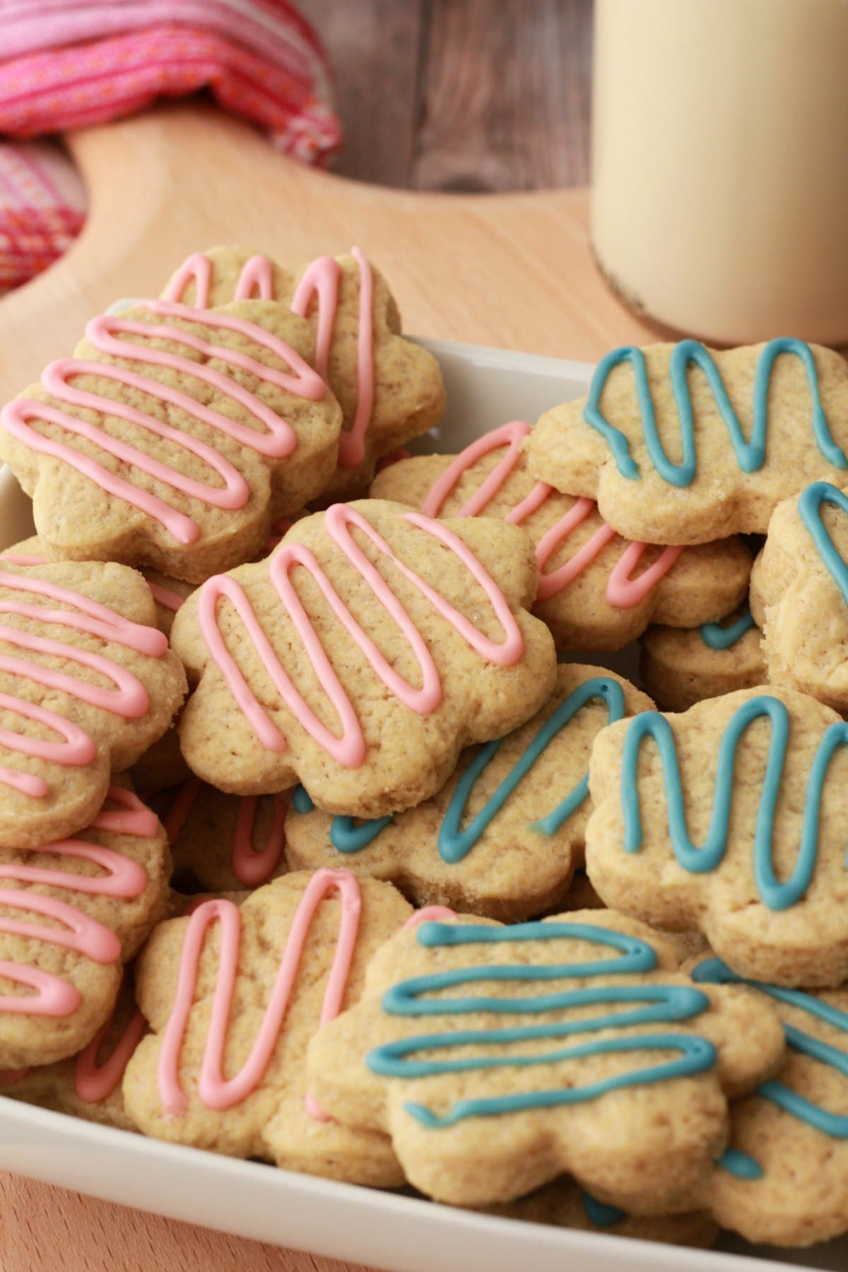 Super easy vegan sugar cookies. Perfect for any occasion! #vegan #lovingitvegan #dessert #cookies #sugarcookies