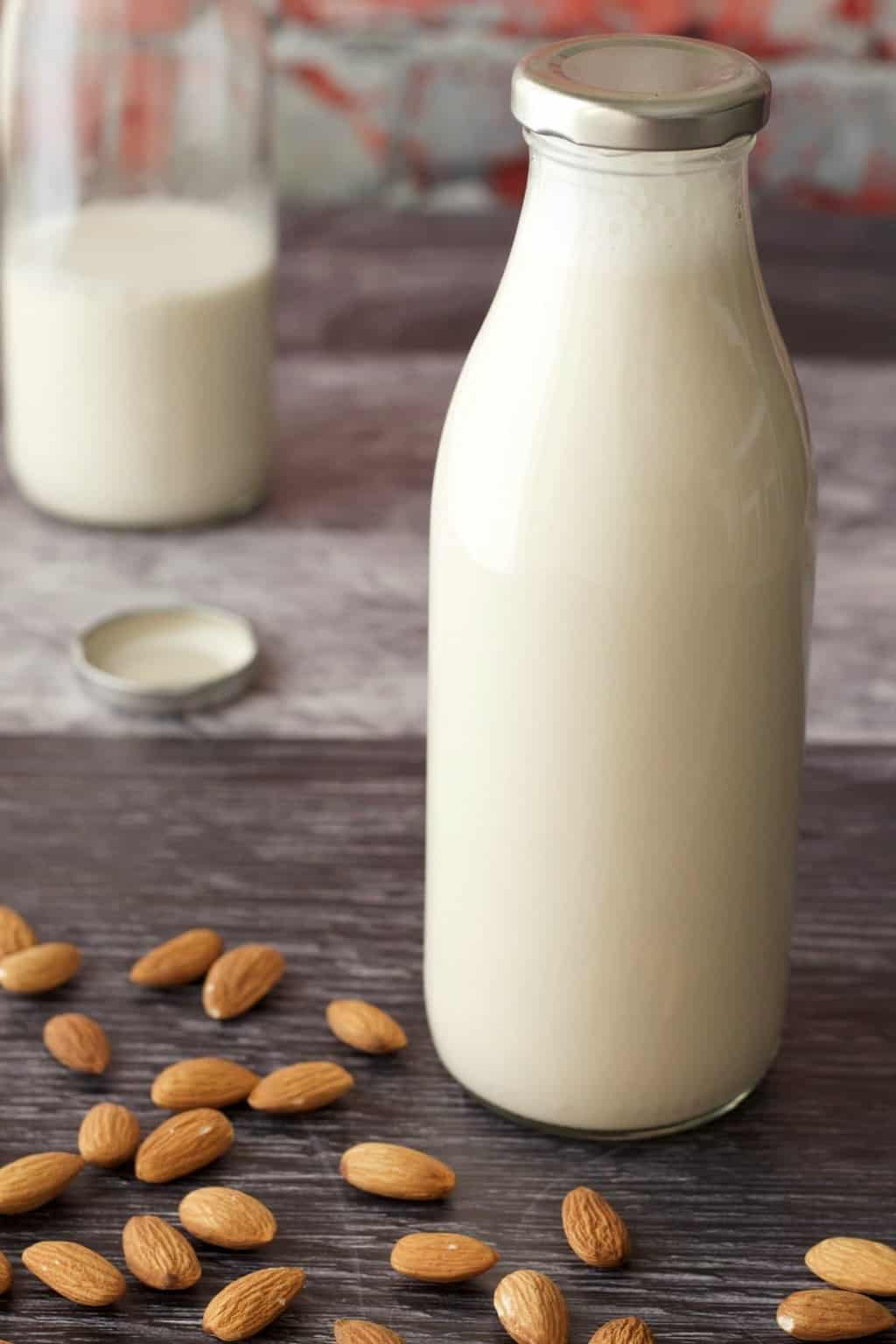 How To Make Almond Milk. Vegan and Gluten-Free. #vegan #lovingitvegan #almondmilk