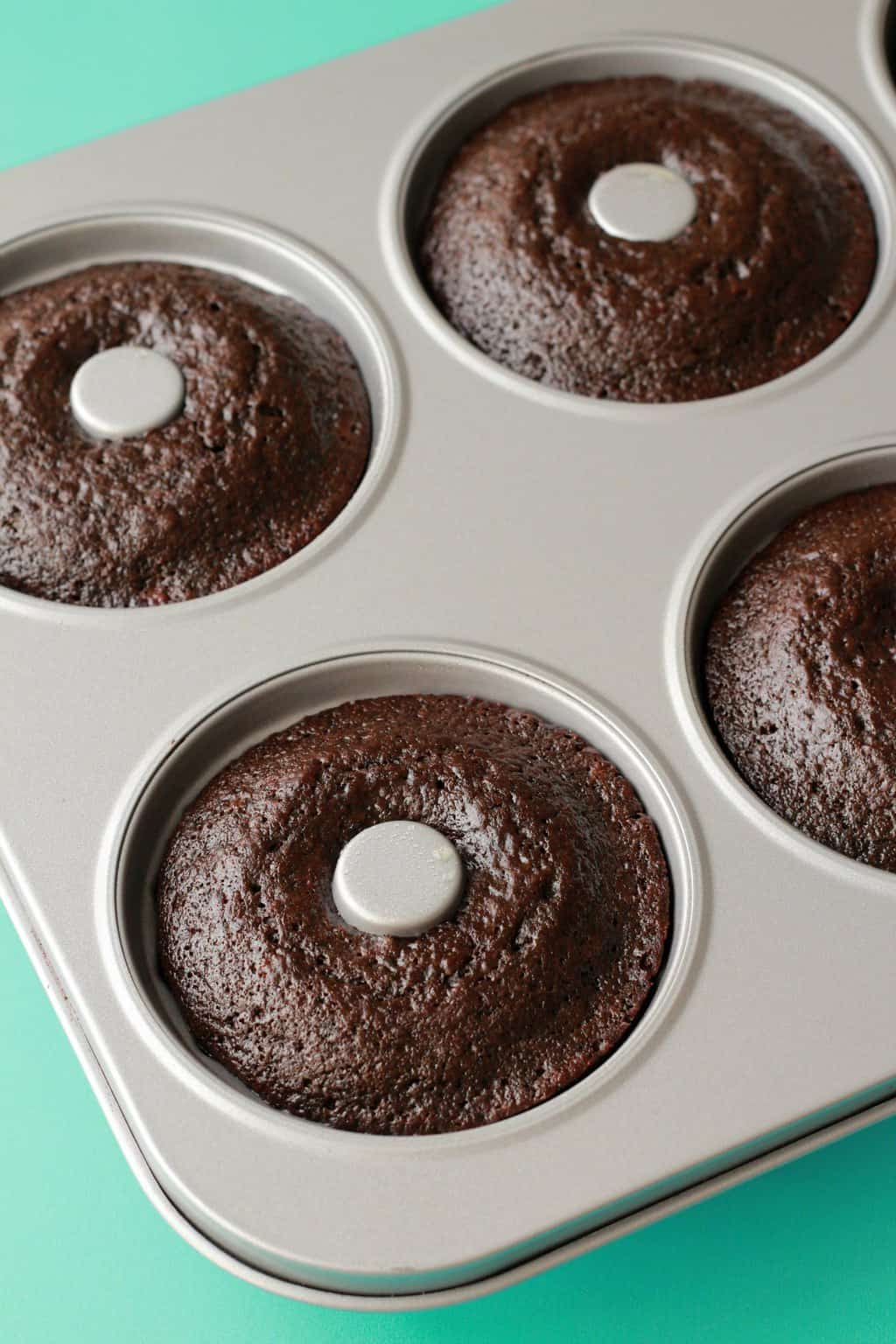 Making Vegan Chocolate Donuts #vegan #lovingitvegan #donuts #dessert