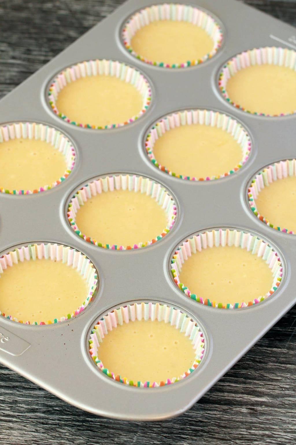 Making Vegan Peppermint Cupcakes #vegan #lovingitvegan #cupcakes #dairyfree