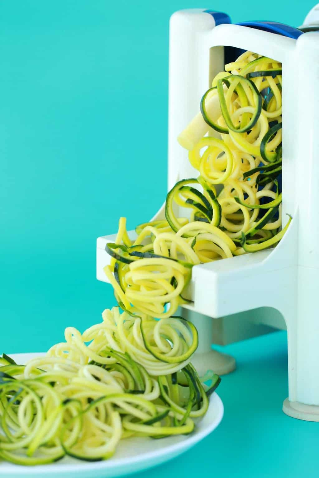 Making Zucchini Noodles with Tahini Sauce #vegan #lovingitvegan #zucchini #rawvegan | lovingitvegan.com